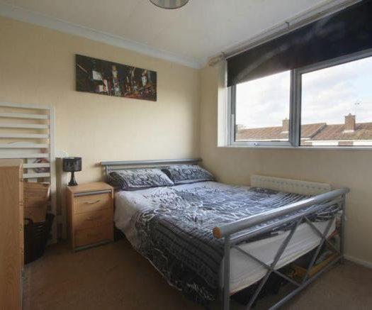 Linden Place Bedroom 2 (2)